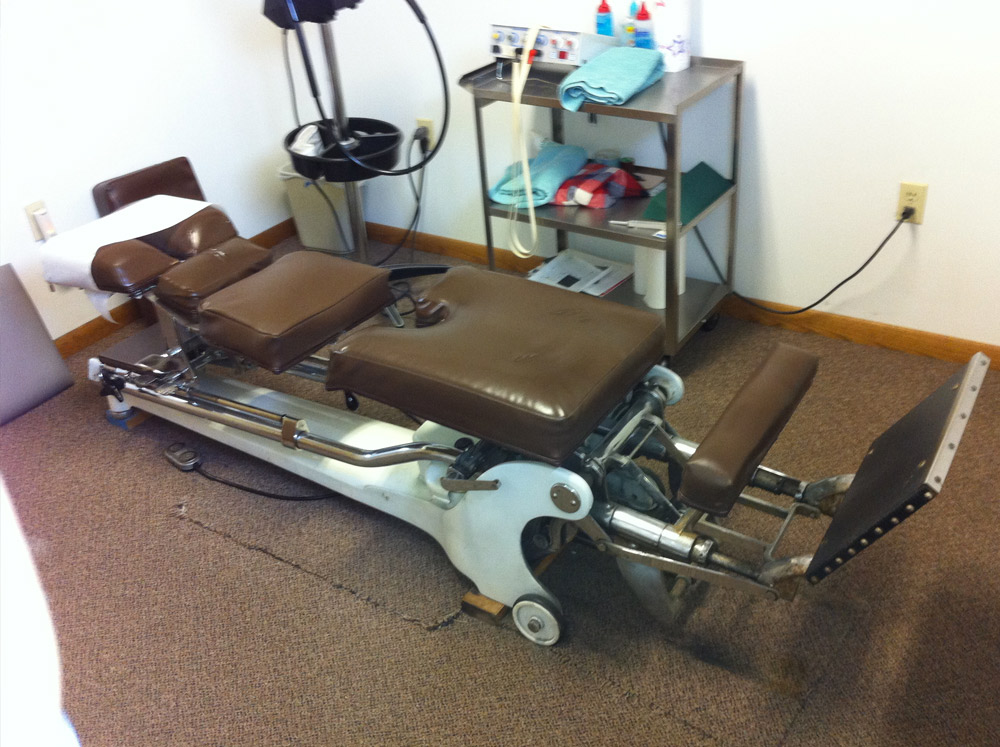 Great Used Zenith Hylo Table